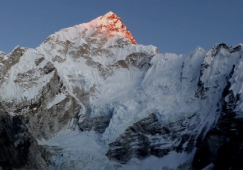 Golden Dawn at Everest
